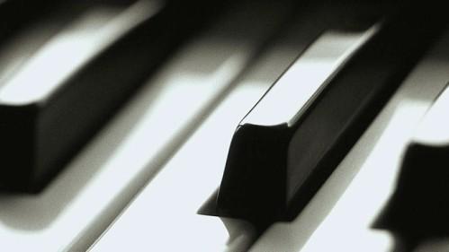 piano_keyssm.jpg